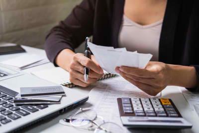 woman calculating